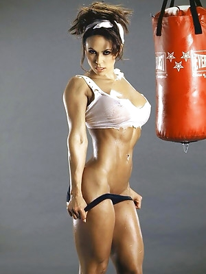 Muscular women and men porn pics.