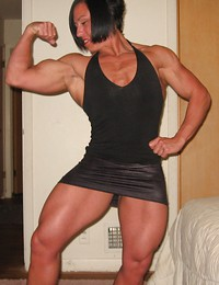 Muscle babe in..