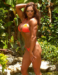 Muscle woman naked..